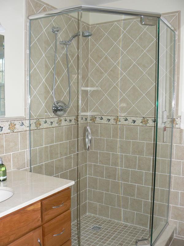 postorivo-contractors-bath-img-maple-glenn-master-bath-02