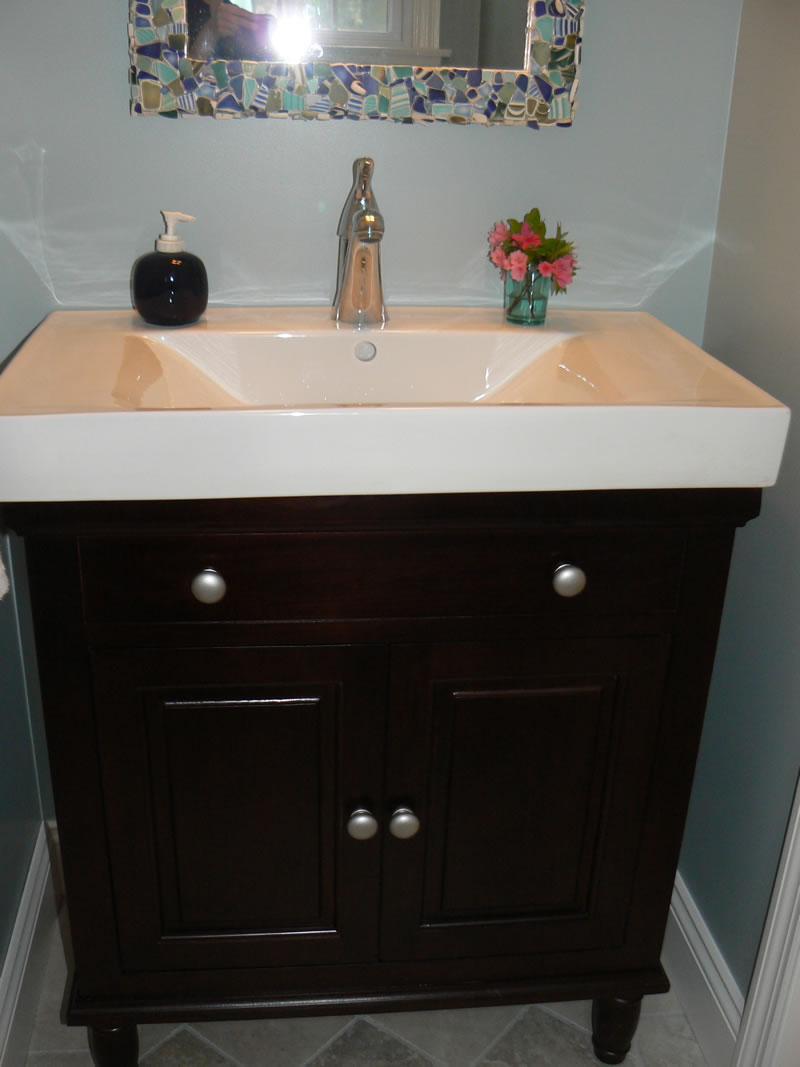 postorivo-contractors-bath-img-maple-glenn-powder-room-02