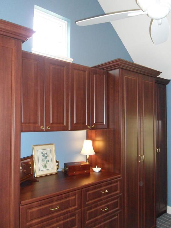 postorivo-contractors-other-room-img-borneman-closet-02