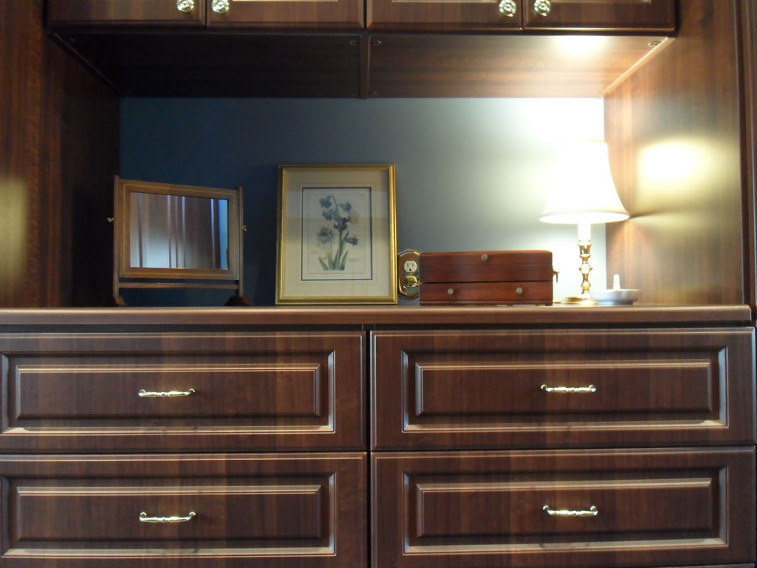 postorivo-contractors-other-room-img-borneman-closet-03